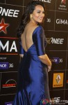 Sonakshi Sinha Flaunts Her Back At GIMA Awards