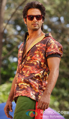 Shahid Kapoor in a still from Phata Poster Nikhla Hero