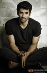 A promising Aditya Roy Kapur looks on