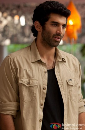 Aditya Roy Kapur in a still from movie 'Aashiqui 2'