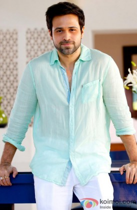 Emraan Hashmi flaunts his killer smile