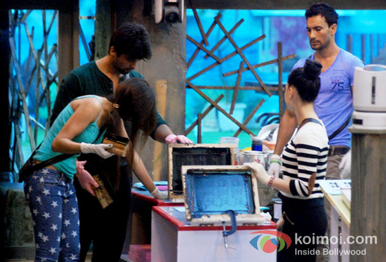 Gauhar Khan, Kushal Tandon, Asif Azim And Tanisha Mukherjee in Bigg Boss 7