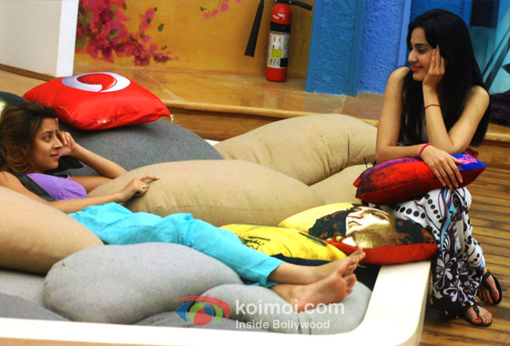 Pratyusha Banerjee And Kamya Punjabi in Bigg Boss 7