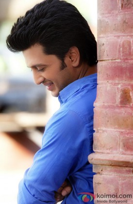 Riteish Deshmukh Flashes His Smile