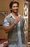 Shahid Kapoor Flashes His Killer Smile