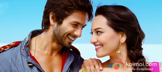 Shahid Kapoor And Sonakshi Sinha in R...Rajkumar Movie Stills