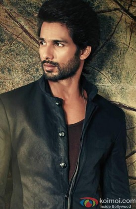 Shahid Kapoor Snapped Looking Dapper At A Photoshoot