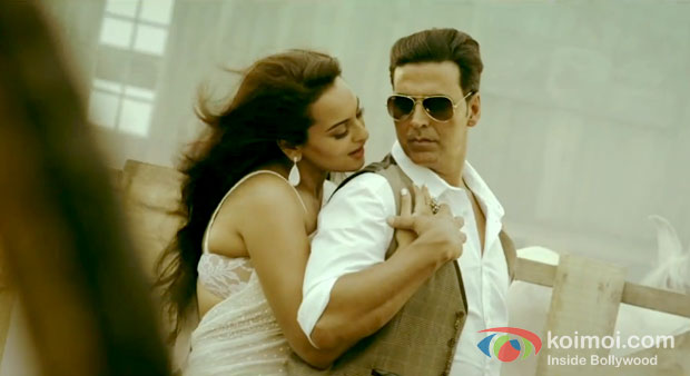 Sonakshi Sinha And Akshay Kumar in Boss Movie Stills