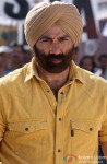 Sunny Deol gives an 'angry man' look here!