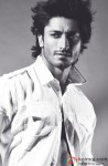 Vidyut Jamwal gives a dashing pose
