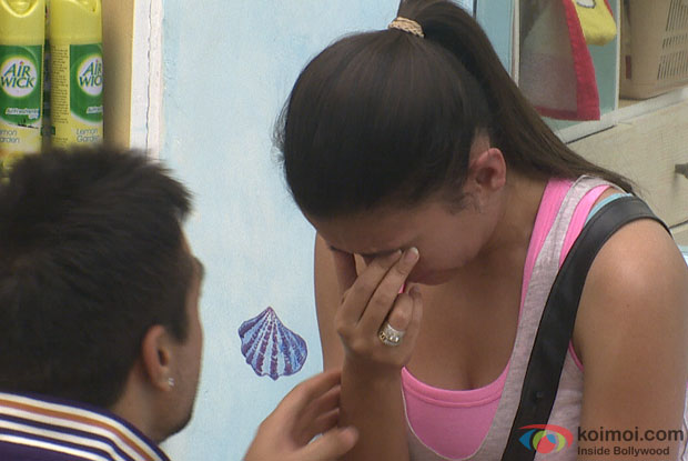 Gauhar Khan crying (Bigg Boss 7)