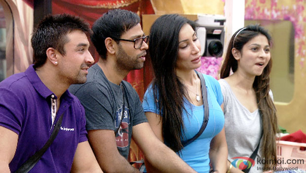 The chor gang during discussion (Bigg Boss 7)