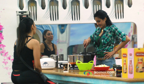 Sofia Hayat and Kamya Panjabi in Bigg Boss 7