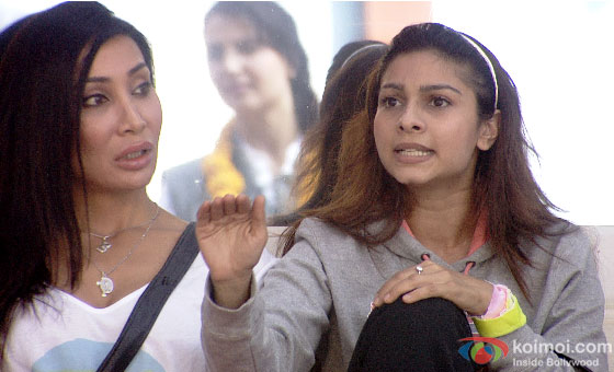 Sofia Hayat and Tanisha Mukherjee in Bigg Boss 7