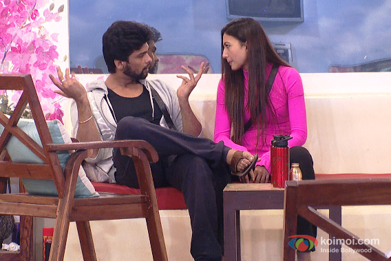 Kushal Tandon and Gauhar Khan in Bigg Boss 7 Pic 2