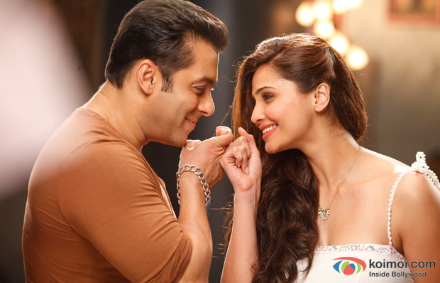 Salman Khan and Daisy Shah in a still from Jai Ho