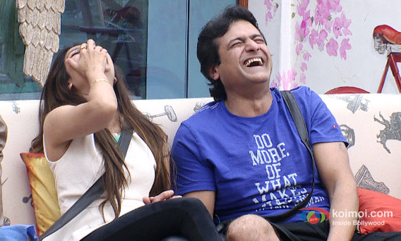 Tanishaa Mukherjee and Armaan Kohli in Bigg Boss 7