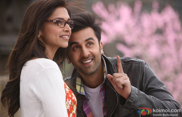 Deepika Padukone and Ranbir Kapoor in a still from Yeh Jawaani Hai Deewani