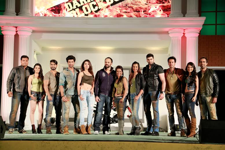 Final Contestants Pose With Host Rohit Shetty