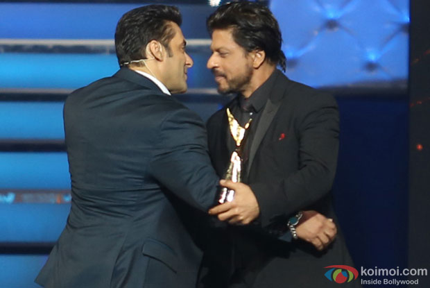 Salman Khan and Shah Rukh Khan on the sets of Star Guild Awards 2014