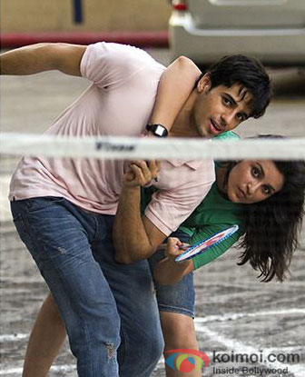 Sidharth Malhotra and Parineeti Chopra in 'Ishq Bulaava' song still from 'Hasee Toh Phasee'