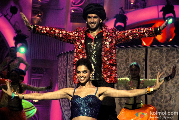 Ranveer Singh and Deepika Padukone perform at Zee Cine Awards 2014