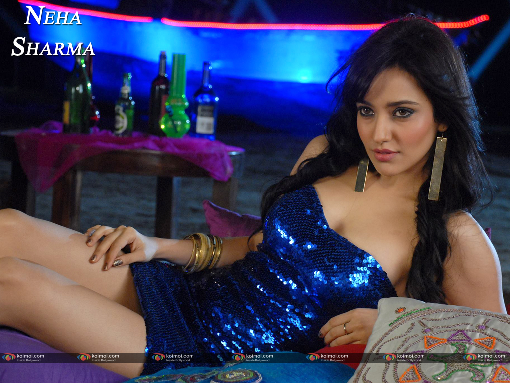 Neha Sharma Wallpaper 7