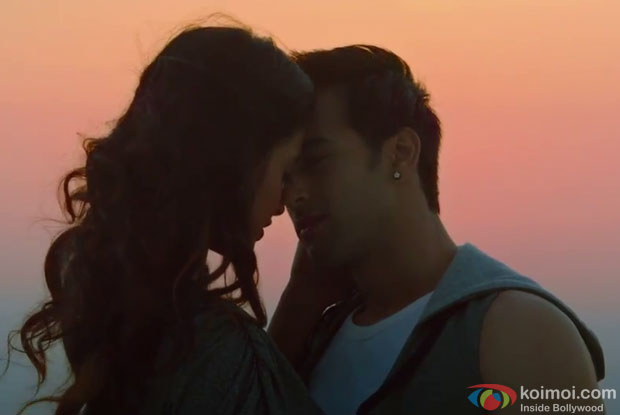 Sarah Jane Dias and Pulkit Samrat in a still from movie 'O Teri'