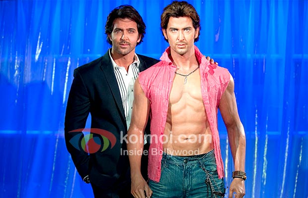 Hrithik Roshan with his Wax Statue at Madame Tussauds