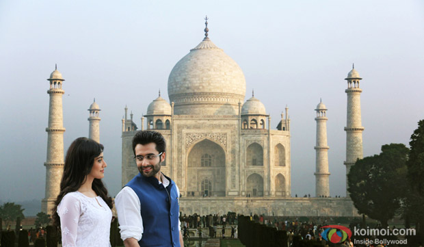 Neha Sharma and Jackky Bhagnani in a still from movie 'Youngistaan'