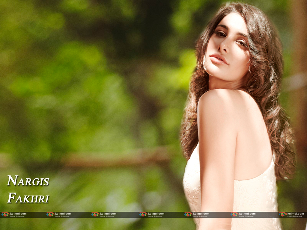 Nargis Fakhri Wallpaper 4