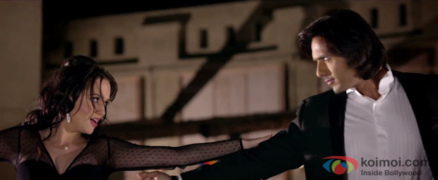 Hazel Crowney and Iqbal Khan in a still from movie 'Unforgettable'