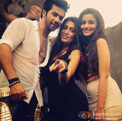 Varun Dhawan and Alia Bhatt on the sets of 'Saturday Saturday' song shoot of 'Humpty Sharma Ki Dulhania'