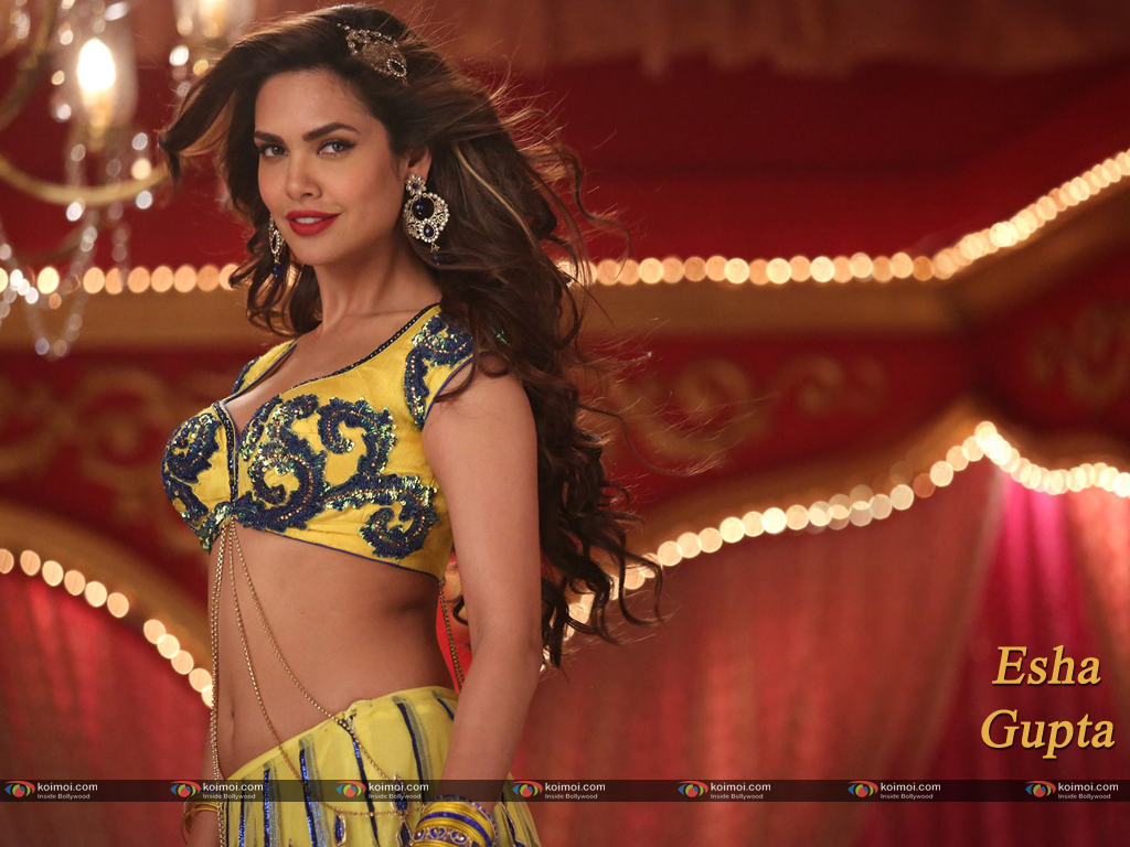 Esha Gupta Wallpaper 6