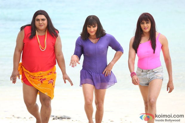Ram Kapoor, Saif Ali Khan and Riteish Deshmukh in a still from movie 'Humshakals'