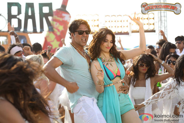 Akshay Kumar and Tamannaah in a 'Johnny Johnny' still from movie 'It's Entertainment'