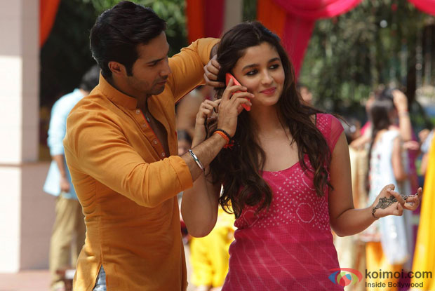 Varun Dhawan and Alia Bhatt in a still from movie 'Humpty Sharma Ki Dulhania'