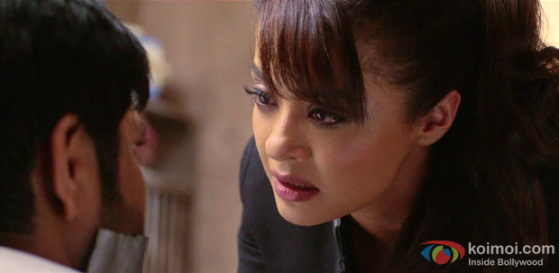 Surveen Chawla in a still from movie 'Hate Story 2′