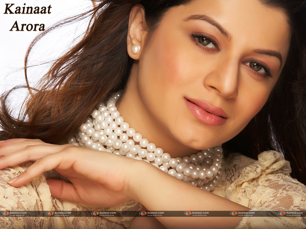 Kainaat Arora Wallpaper 7