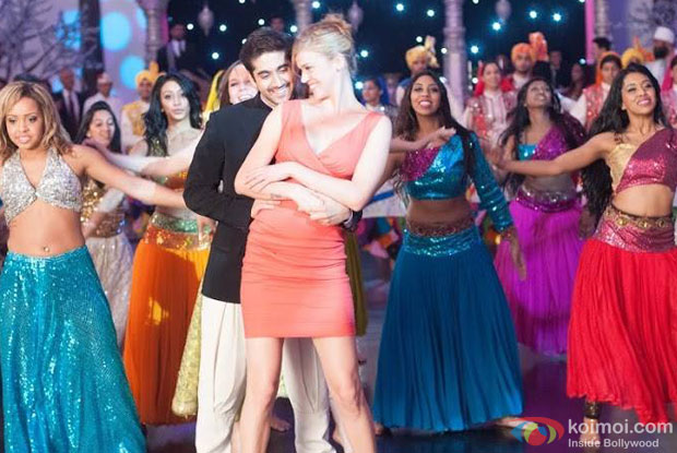 Vinay Virmani and Isabelle Kaif in a 'Dal Makhani' song still from movie 'Dr. Cabbie'