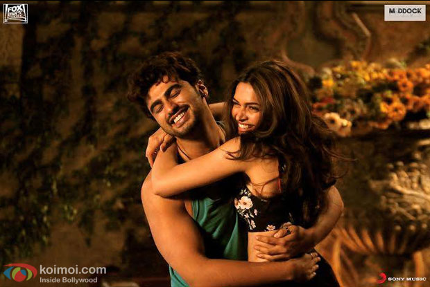 Arjun Kapoor and Deepika Padukone in a 'Fanny Re' song still from movie 'Finding Fanny'
