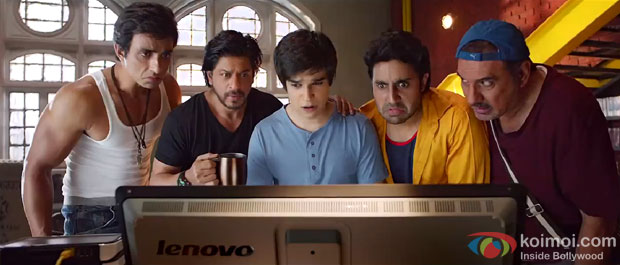 Sonu Sood, Shah Rukh Khan, Vivaan Shah, Abhishek Bachchan and Boman Irani in a still from movie 'Happy New Year'