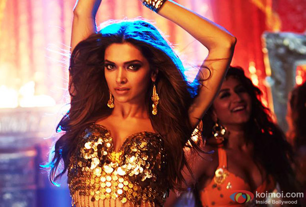 Deepika Padukone in a 'Lovely' song still from movie 'Happy New Year'