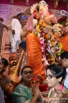Rani Mukerji Seeks Blessings From Lalbaugcha Raja