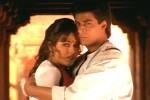 Mahima Chaudhry and Shah Rukh Khan in a still from movie 'Pardes'