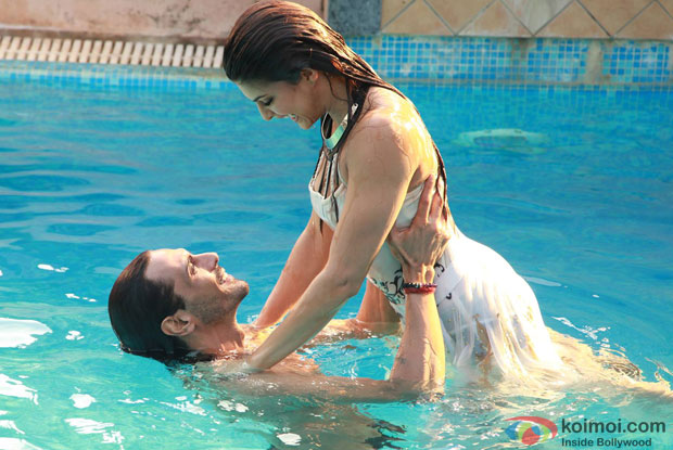 Arjun Rampal and Jacqueline Fernandez in a still from movie 'Roy'
