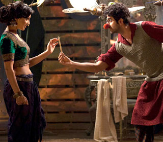 Pallavi Sharda and Ayushmann Khurrana in a 'Turram Khan' song still from movie 'Hawaizaada'