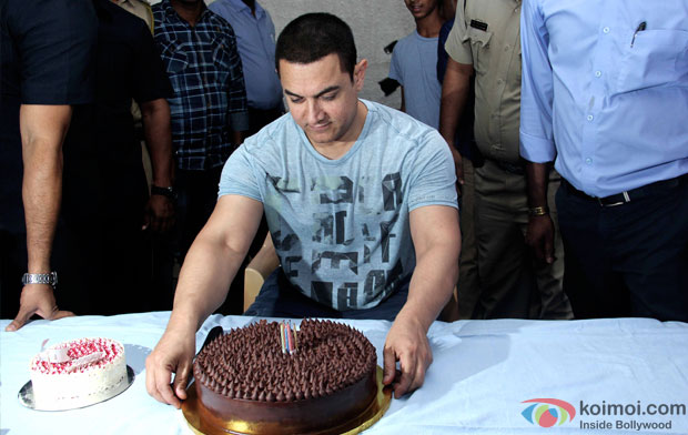 Aamir Khan Celebrates His Birthday With Media In Advance