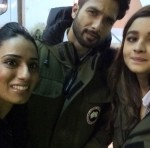 Alia Bhatt and Shahid Kapoor with a fan from the sets of Shaandaar