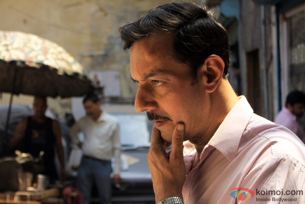Rajat Kapoor in a still from movie 'Ankhon Dekhi (2013)'